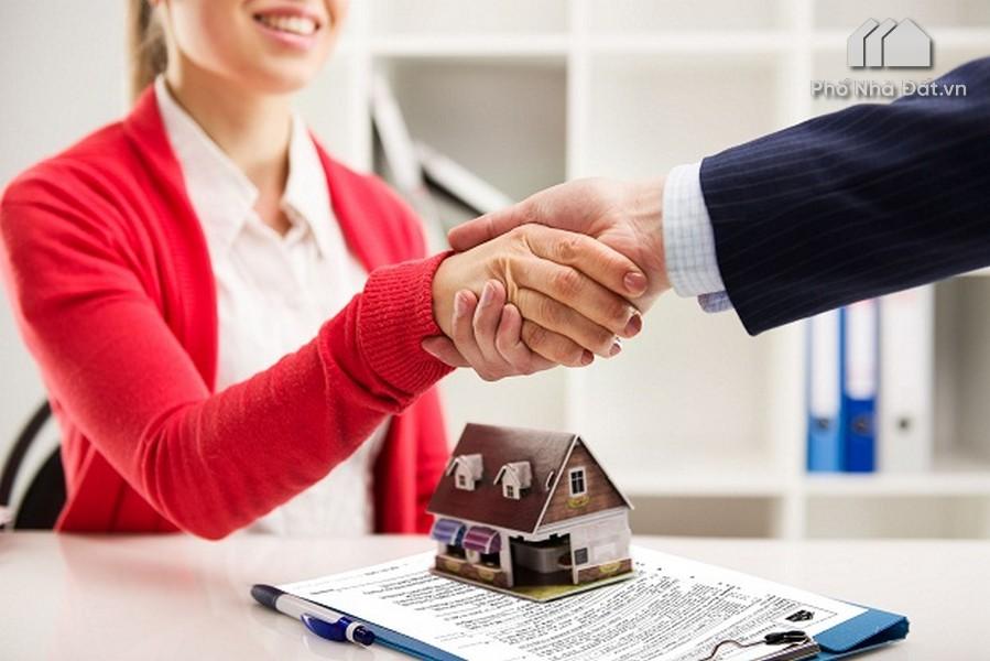 Môi giới bất động sản là gì ? Nhân viên mô giới bất động sản làm gì?