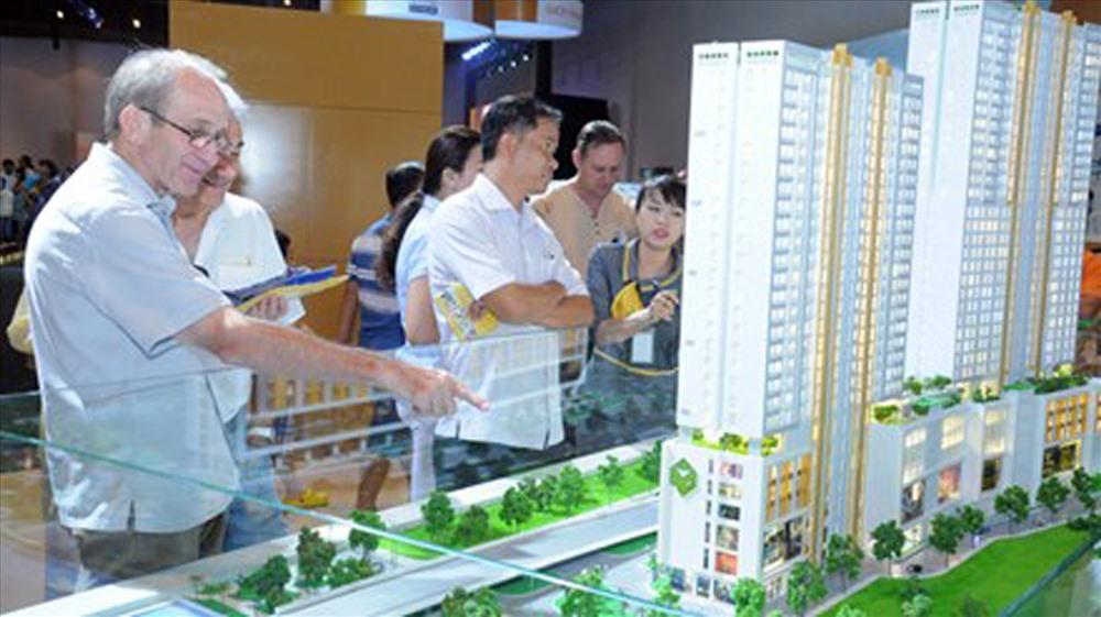 Người nước ngoài mua nhà ở Việt Nam – Điều kiện và Thủ Tục ra sao ?